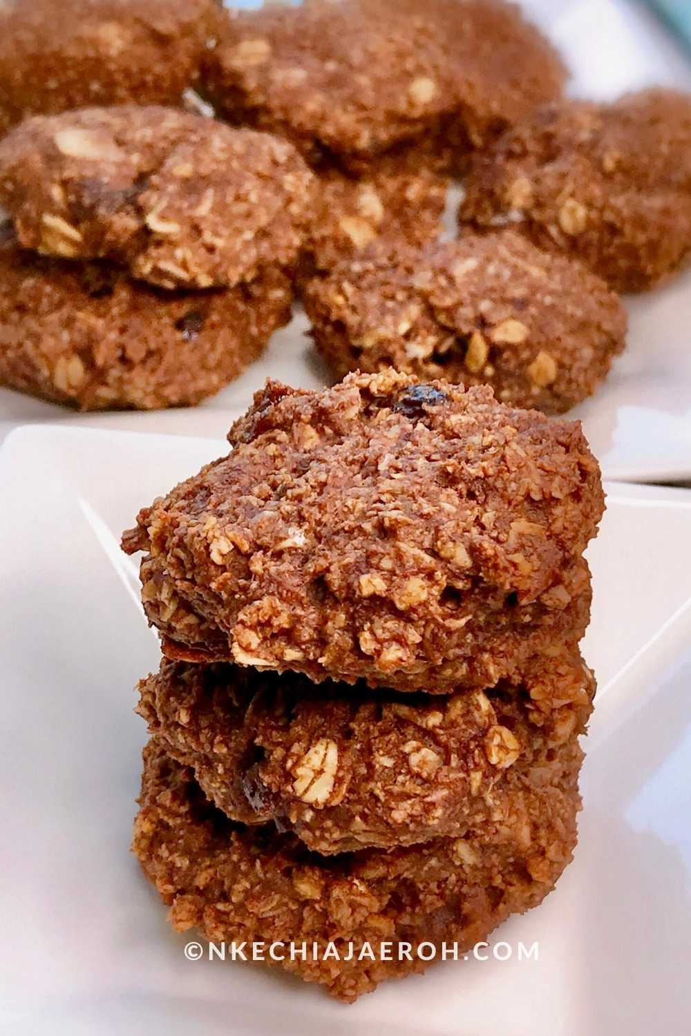 Healthy Vegan Almond Oats Cacao Cookie. Low carb, Refined Sugar-free, Gluten-free, Paleo-friendly Breakfast Cookies.
