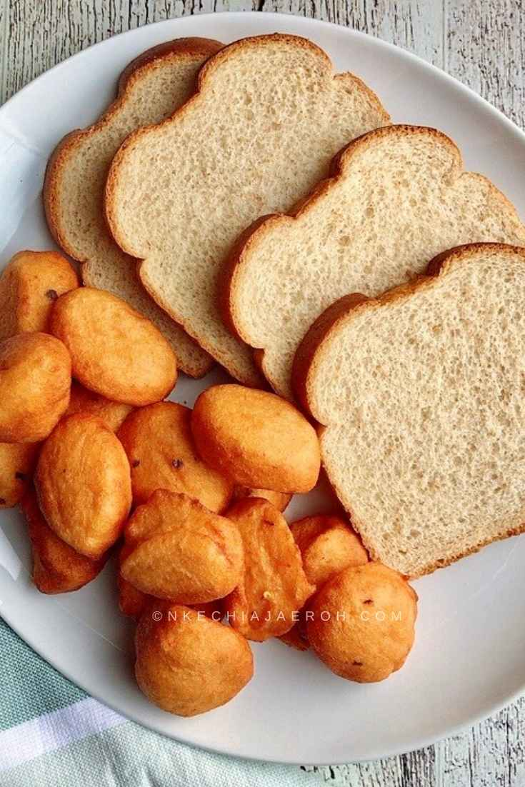 The best way to eat Nigerian Akara is with Agege bread