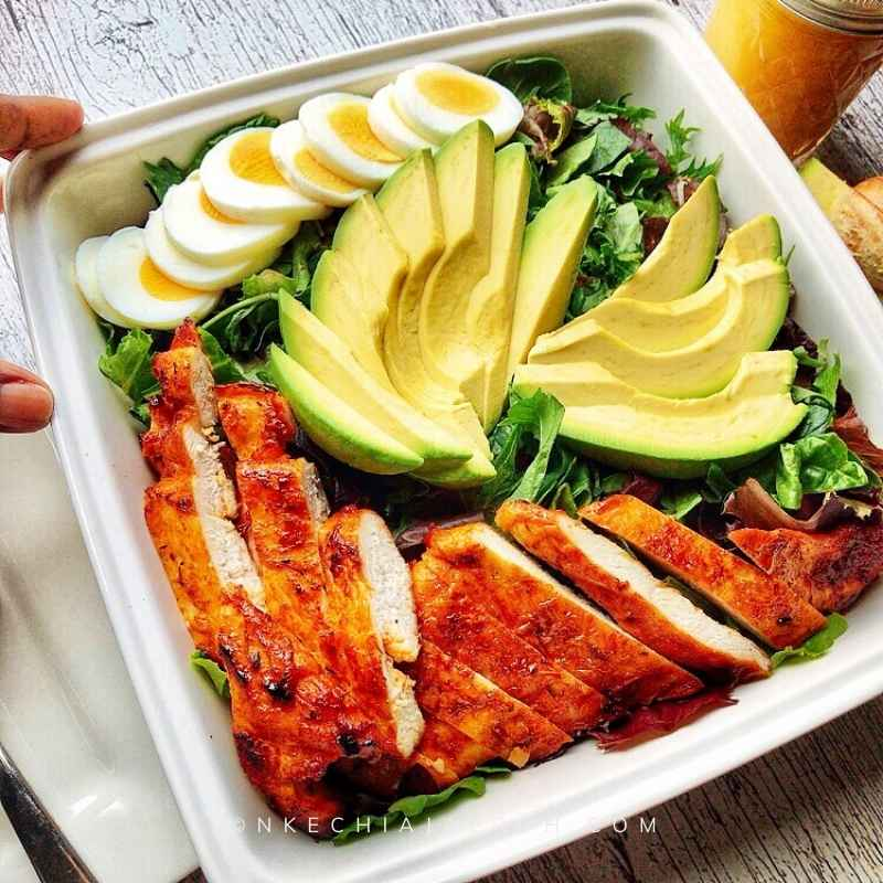 Super easy spring mix salad is a healthy low-carb salad recipe you need; also, it is gluten-free and keto-friendly. Keep it, Keto, by using a keto salad dressing! The best thing about this salad is that it takes only 4 ingredients - salad leaves (spring mix), avocado, boiled eggs, and chicken breast. Obviously, you can use any other choice of protein!