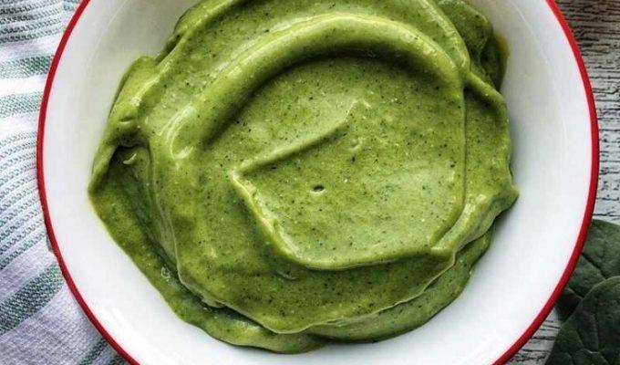 Super green avocado coconut smoothie bowl recipe