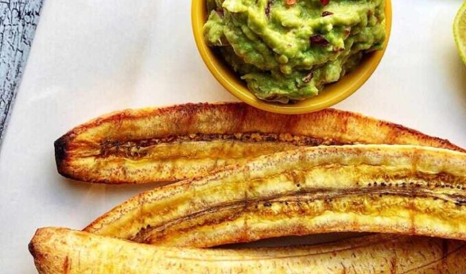 Oven roasted sweet plantains (maduros) with guacamole