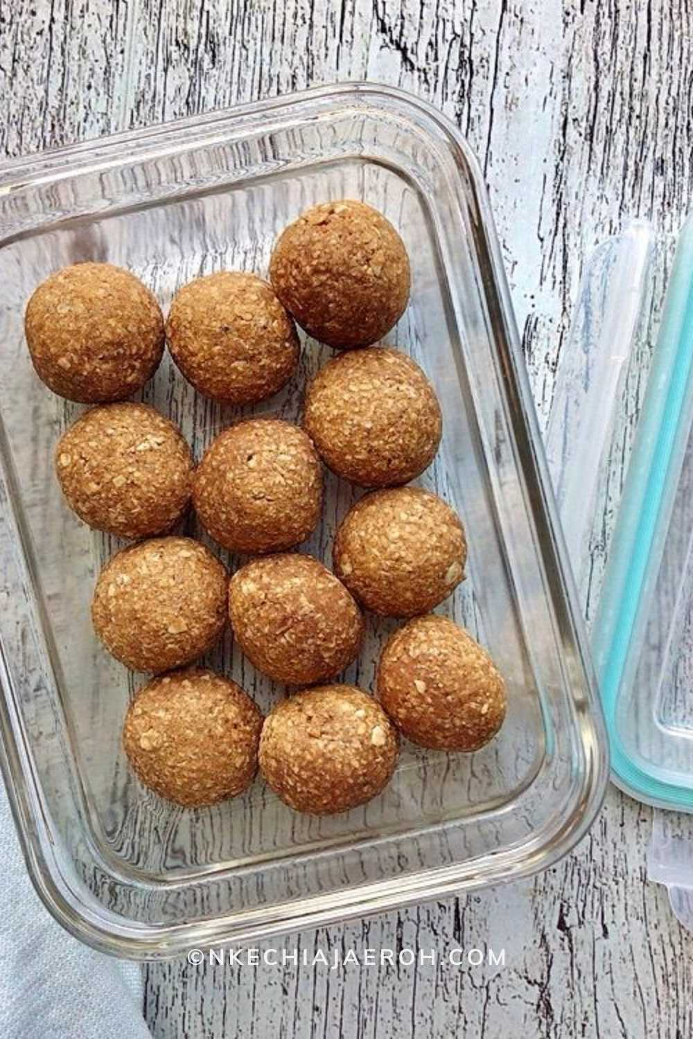 easily pack these plantain balls away for any time snacking! YUM! I used a tight fitting container to pack mine.