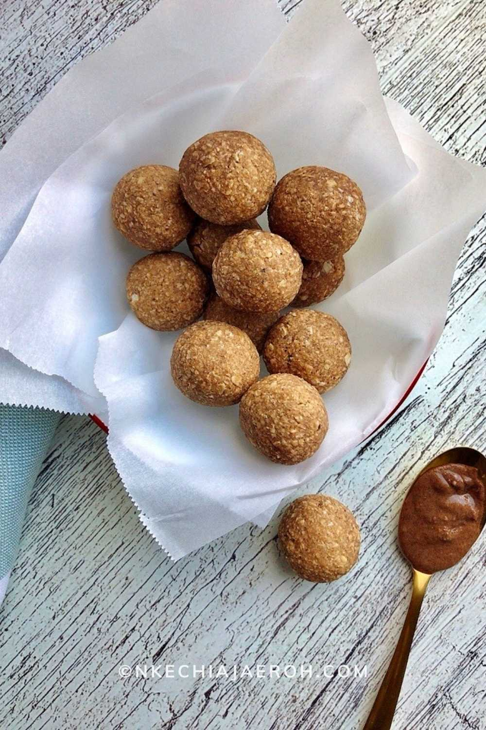 These warm and delicious healthy energy bites are just perfect for pre and post work out snacks. You can have them on the go, and the kids love them! This is the snack you need for all year round. These healthy plantain power balls are equally great appetizers, side dishes, and even dessert.