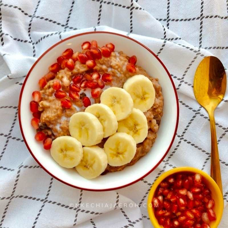 Learn how to make this satisfying oats recipe for breakfast. This recipe is healthy, nutritious and can quench your chocolate craving. Trust me when I say this oatmeal porridge recipe deserves a place in your home.