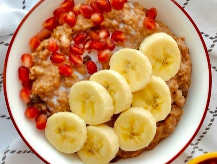 Learn how to make this satisfying chocolate oatmeal porridge recipe. This recipe is healthy, nutritious and can quench your chocolate craving. Trust me when I say this oatmeal porridge recipe deserves a place in your home.