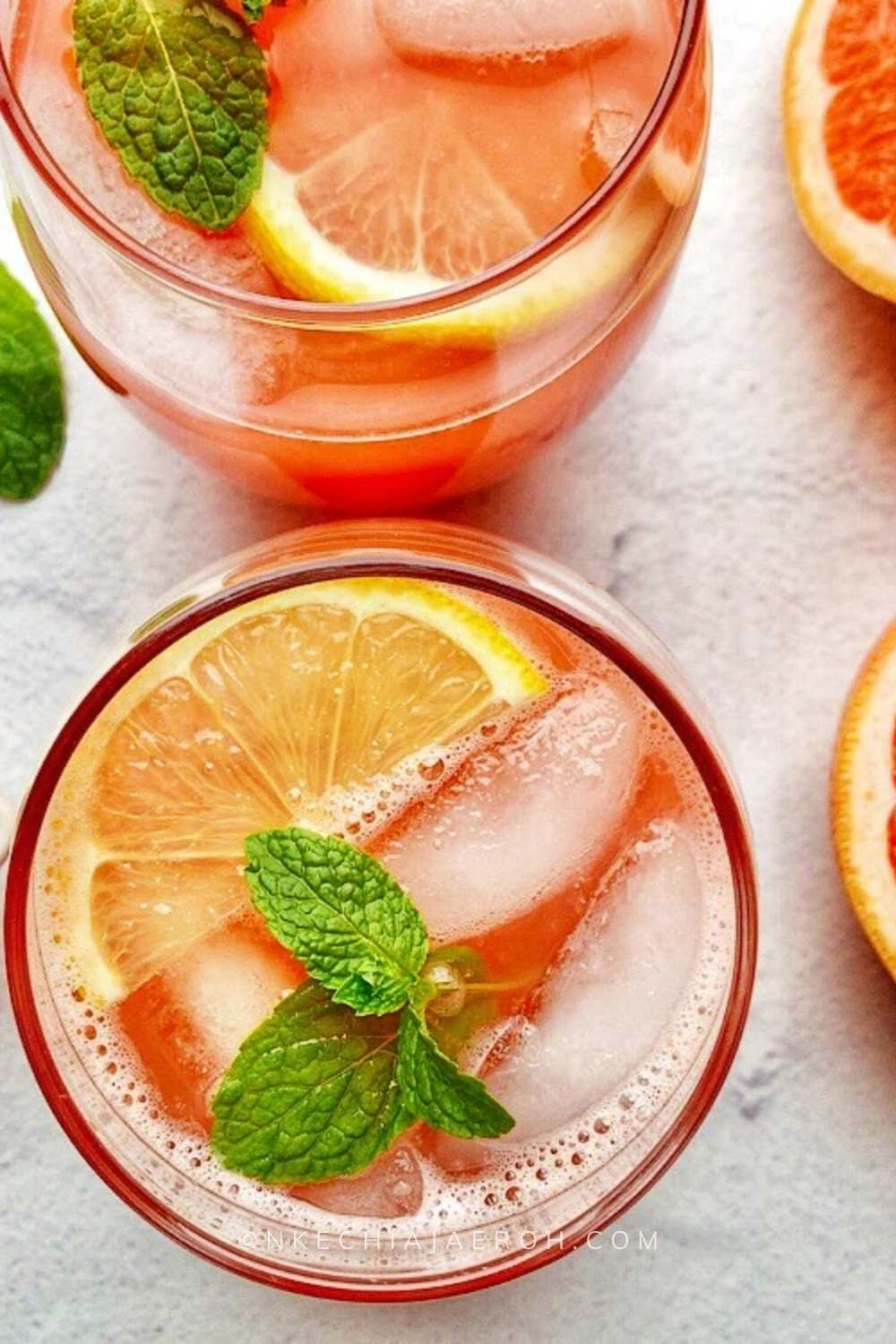 Please permit me to quickly show you how to make the best homemade grapefruit juice that you will actually love! Homemade grapefruit juice is always the best because it does not have artificial preservatives or additives! This hydrating grapefruit juice recipe is quick, easy, and invigorating.
