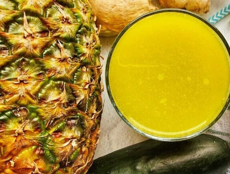 Pineapple cucumber juice recipe with bell peppers, lemon, and ginger! Wow, let's take a moment and appreciate how loaded this fruit and vegetable juice is! This pineapple and cucumber juice recipe have only five ingredients, have no artificial or refined sugar, and it is super easy to make.
