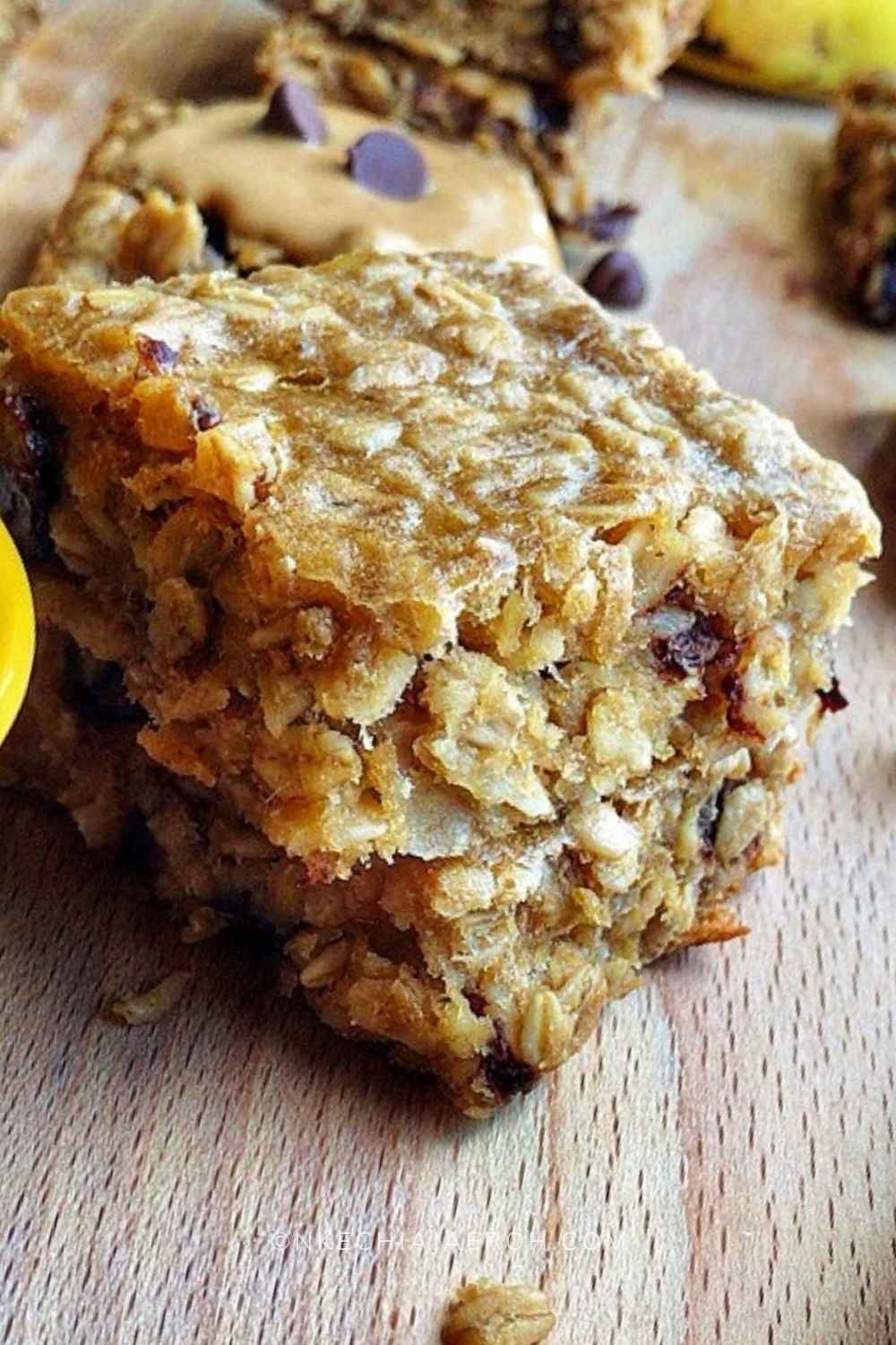 These naturally gluten-free peanut butter banana bars are packed with healthy fat, energy-giving oats, fruits, chocolate chips, and soft baked to perfection! It has the right amount of saltiness and flavors! These easy to make peanut butter snack is currently my family's best snack for so many reasons: Salty and flavorful! Easy to make (this is a no-brainer) Gluten-free, Crowd-pleaser!