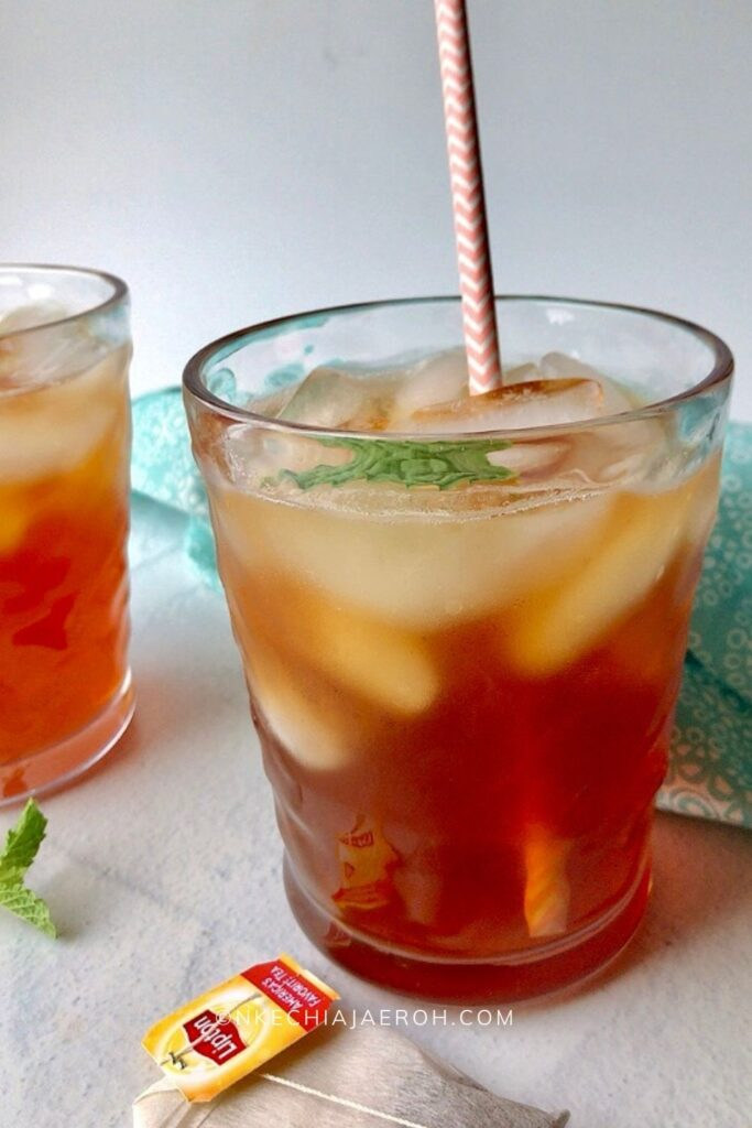 Perfect homemade sweet tea recipe made with black tea, and a hint of honey is refreshingly bold and crisp! Pour this sweet tea over ice for an unforgettable chilled experience! Customize this tea recipe to suit your current need. It can be the perfect hot tea for the winter months and a phenomenal sweet iced tea for hot summer days! The best part is that this homemade sweet tea recipe is refreshing, energizing, and health-improving! #Tearecipe #SweetTea #Icedtea #Homemadetea #Liptontea #Blacktea #Summerdrinks