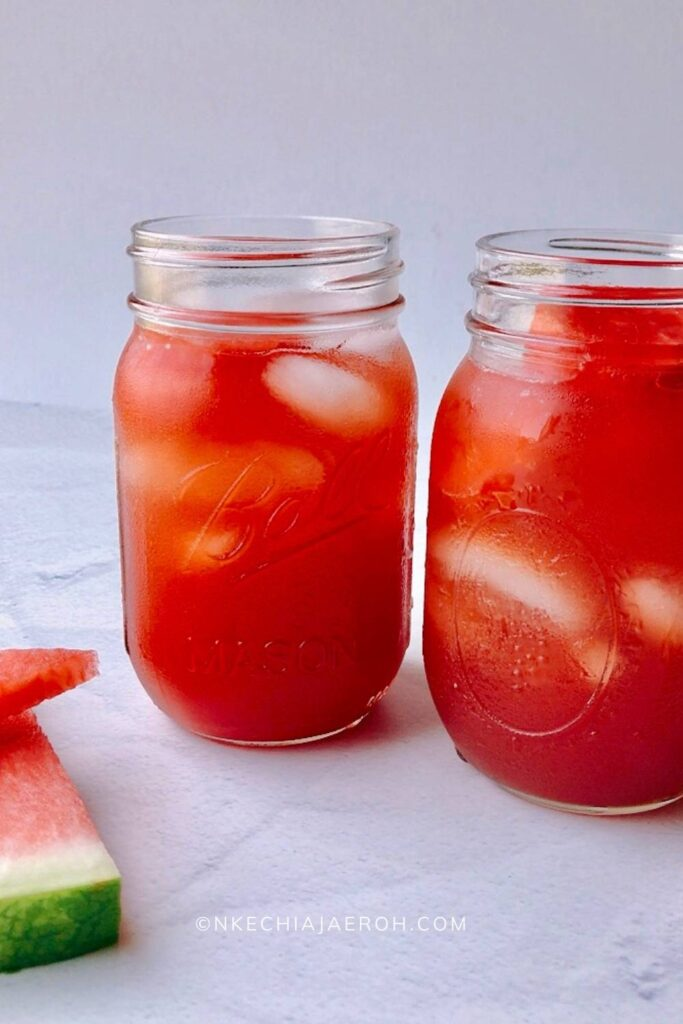 Homemade watermelon iced tea is the ultimate summer cooler drink! And the best part is that it requires only a few ingredients and is easy to make! Luckily, this refreshing thirst quencher is perfect for hot days! If you have a fresh watermelon and some tea bags, you are in for a treat! This satisfying watermelon sweet iced tea recipe will surely keep you energized, refreshed, and hydrated! #watermelontea #watermelonicedtea #watermelonrecipes #summertimerecipes